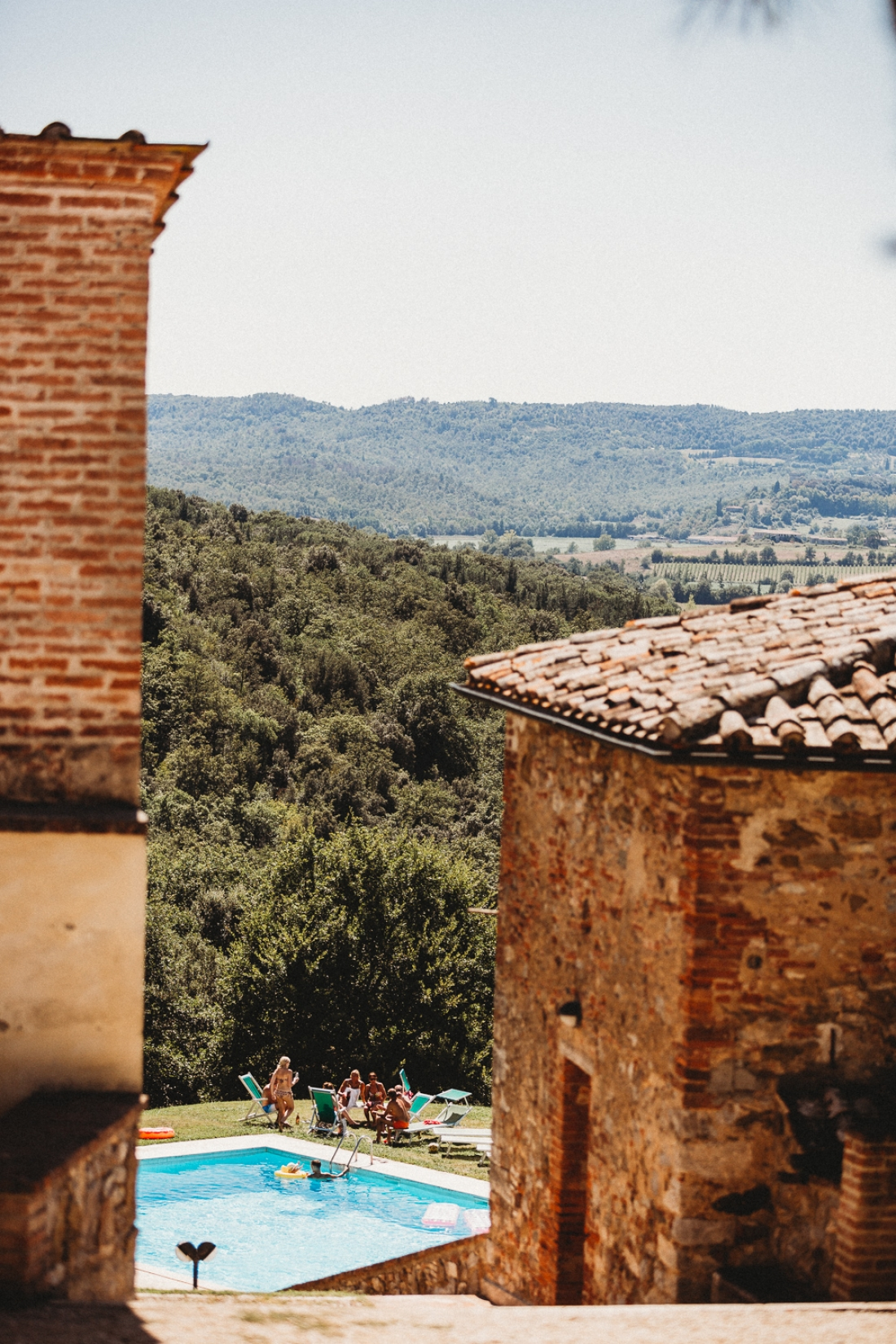 Tuscany wedding photography Castello Di Modanella 22 of 101